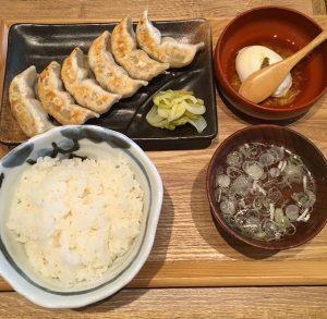 ダンダダン酒場の肉汁餃子ライス