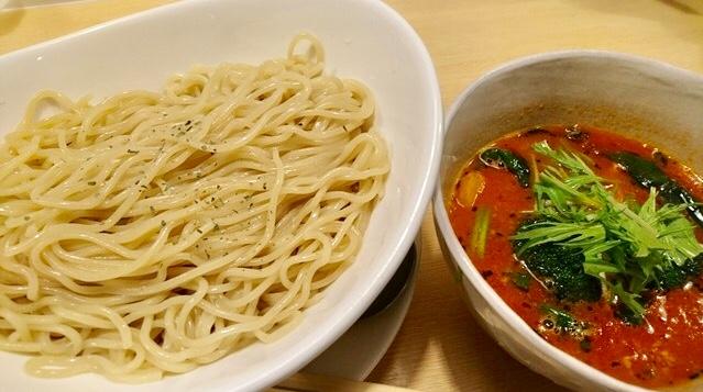 ベジィの「濃厚エビトマトつけ麺」