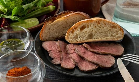 小樽タイムズガーテンの「仔羊のもも肉ロースト」