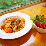 【カフェピノキオ】2019年6月21日オープン!ログハウス風のお店でトマト農家が営む新鮮なトマト料理!