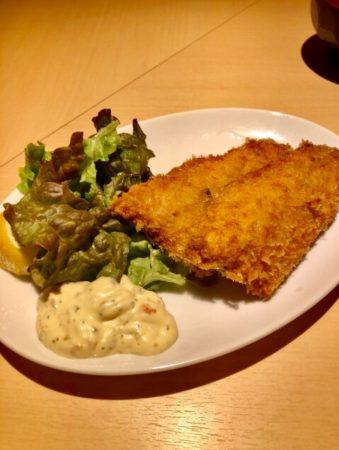 海鮮キッチン魚まるの「フライ定食」