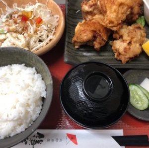 太郎茶屋鎌倉の「自家製タルタルのチキン南蛮定食」