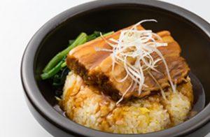 暖流の豚角煮の石鍋チャーハン
