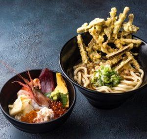 うおぽんの海鮮丼ハーフごぼ天うどんセット