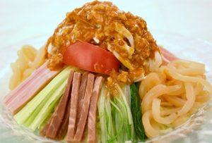 赤坂四川飯店の「棒棒鶏絲冷麺(バンバンジンスーリャンメン)」