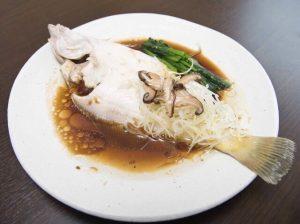 クーロンの旬の魚の香港風蒸し