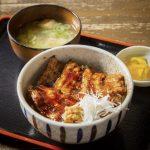 【くまうし 札幌川沿店】豚丼と本格手打ちそばの弟子屈に本店をもつ人気店!
