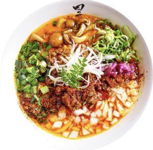 四の五の言わずの一番人気「龍虎青山椒麺」